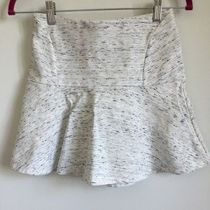 Aritzia Wilfred white speckled skirt size 6